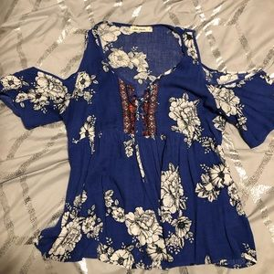Cold shoulder floral shirt with lace up detail